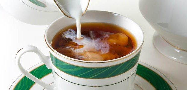 Чай с молоком – вредно или полезно?